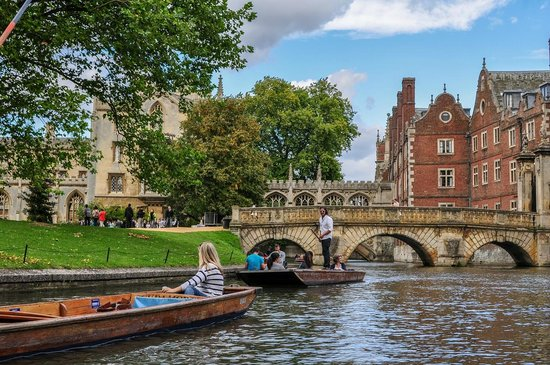 Transport persoane Tulcea Cambridge