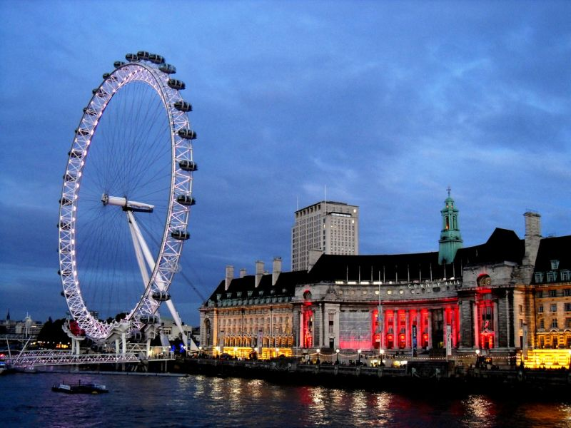 Transport persoane Constanta Londra